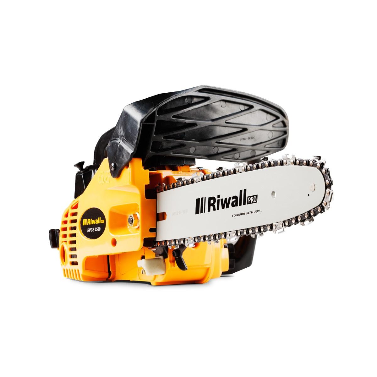 reťazová vyvetvovacia píla s benzínovým motorom Riwall PRO RPCS 2530